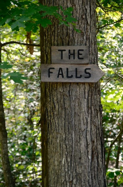 Sign to 'The Falls' at the start of the Coy Bald Trail